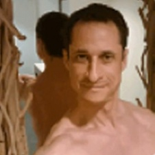 14414551338962-anthony-weiner-shirtless